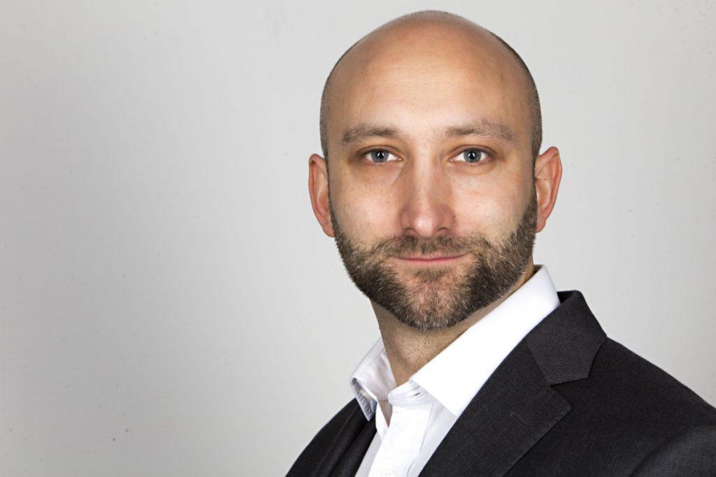 Adam-Sierakowski-mobile